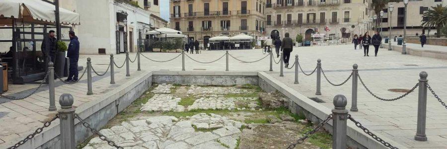 Nomi, cose e città: piazza del Ferrarese a Bari